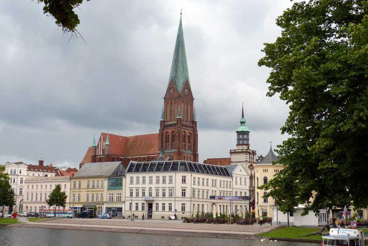 SVZ sucht Zeitzeugen für Schwerin-Film